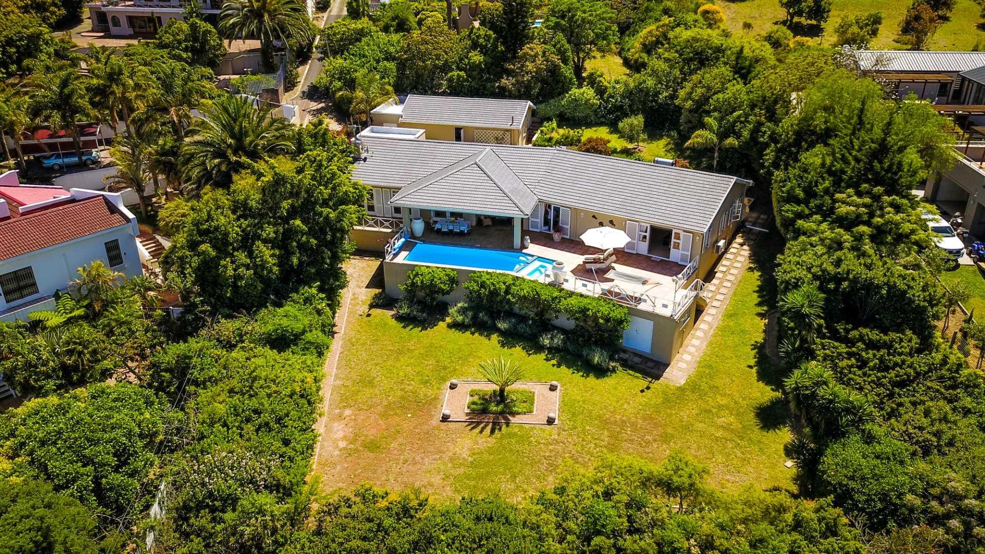 Renovated Home With Beautiful Sea & Mountain Views