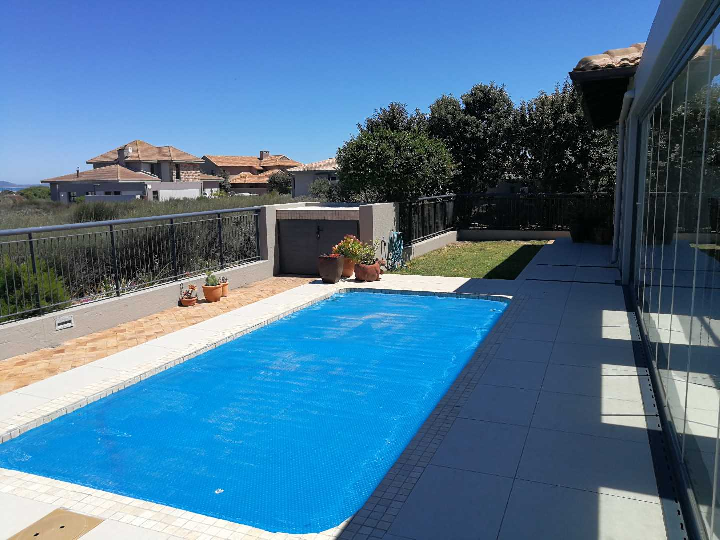 Enclosed garden and pool