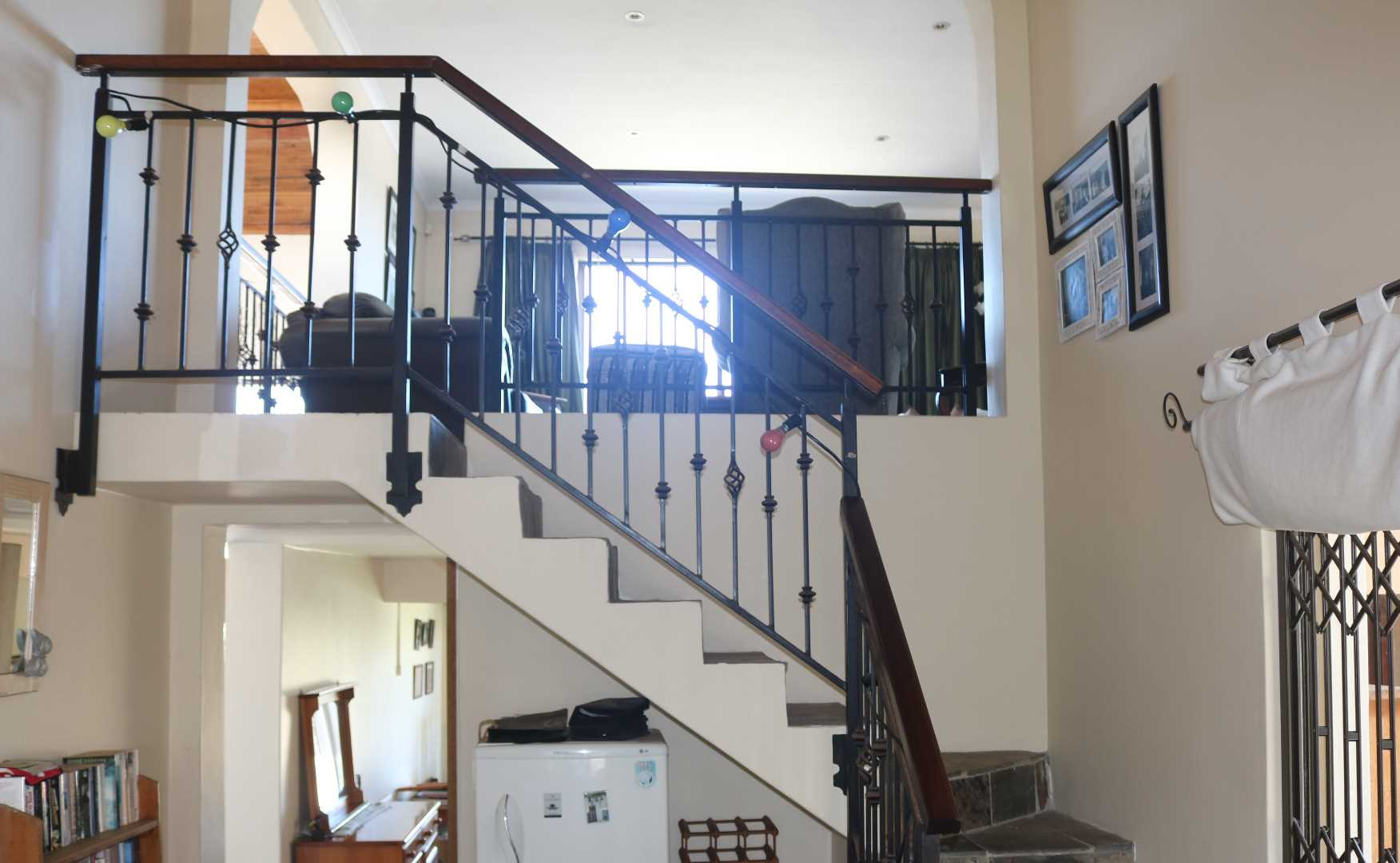 STAIRWAY TO UPSTAIRS LOUNGE