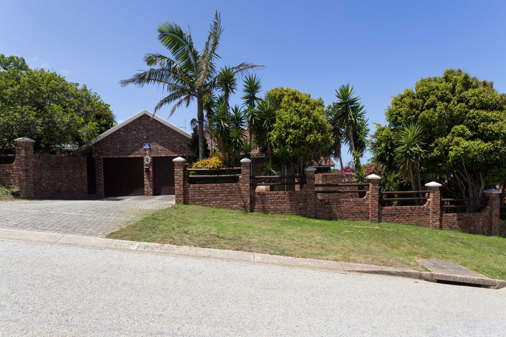 Lovemore Heights R2 450 000
