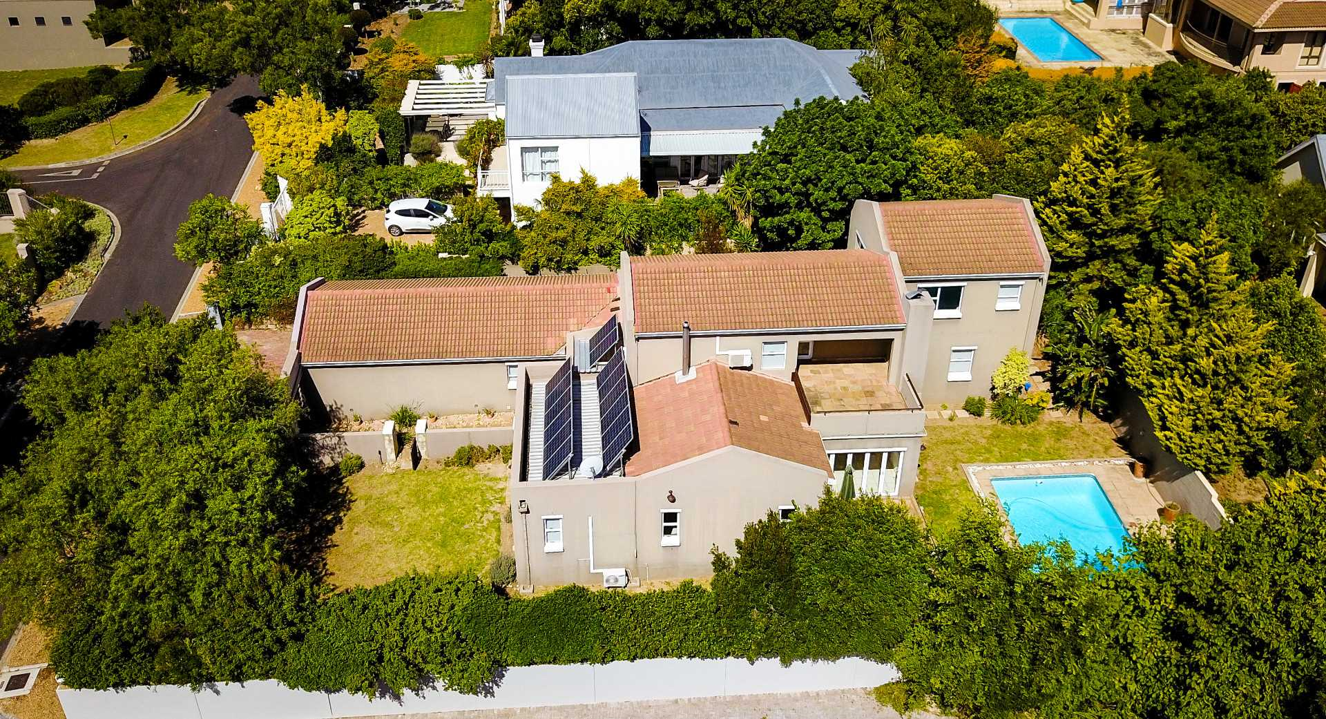 Gem in Bel'Aire Winelands Estate