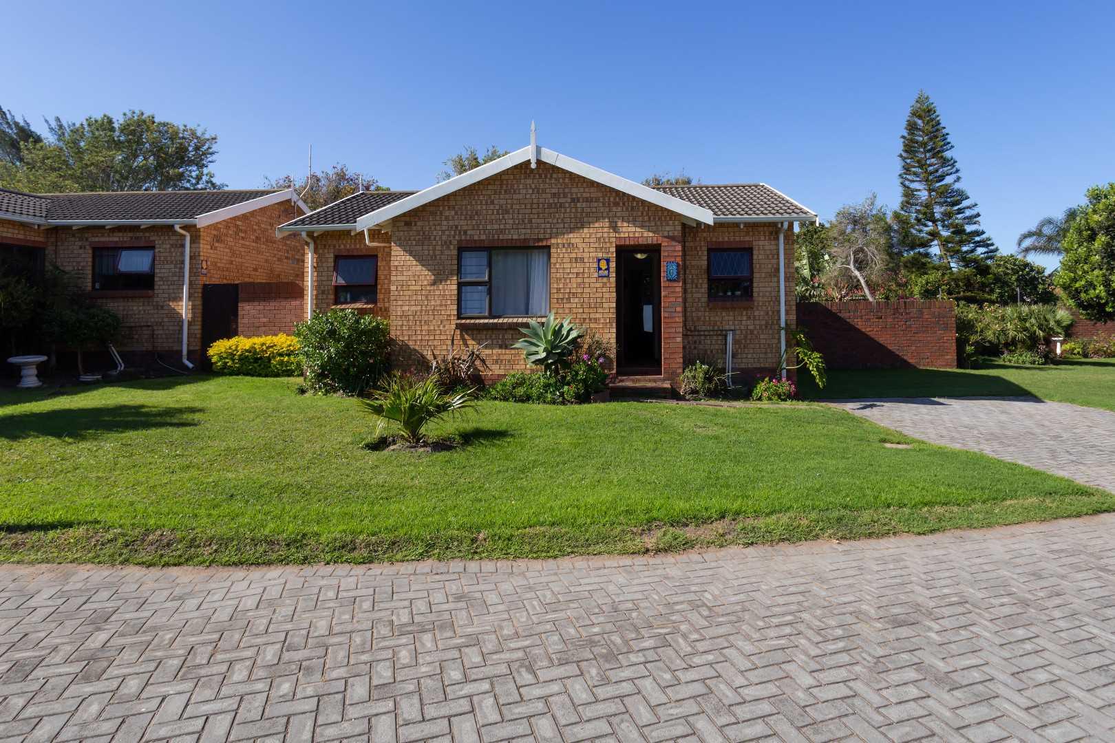 Broadwood R865 000