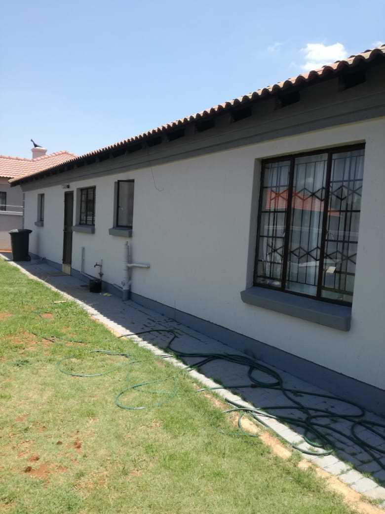Estate living in Clarina