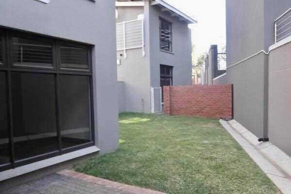 The ideal townhouse, the right location in a secured estate