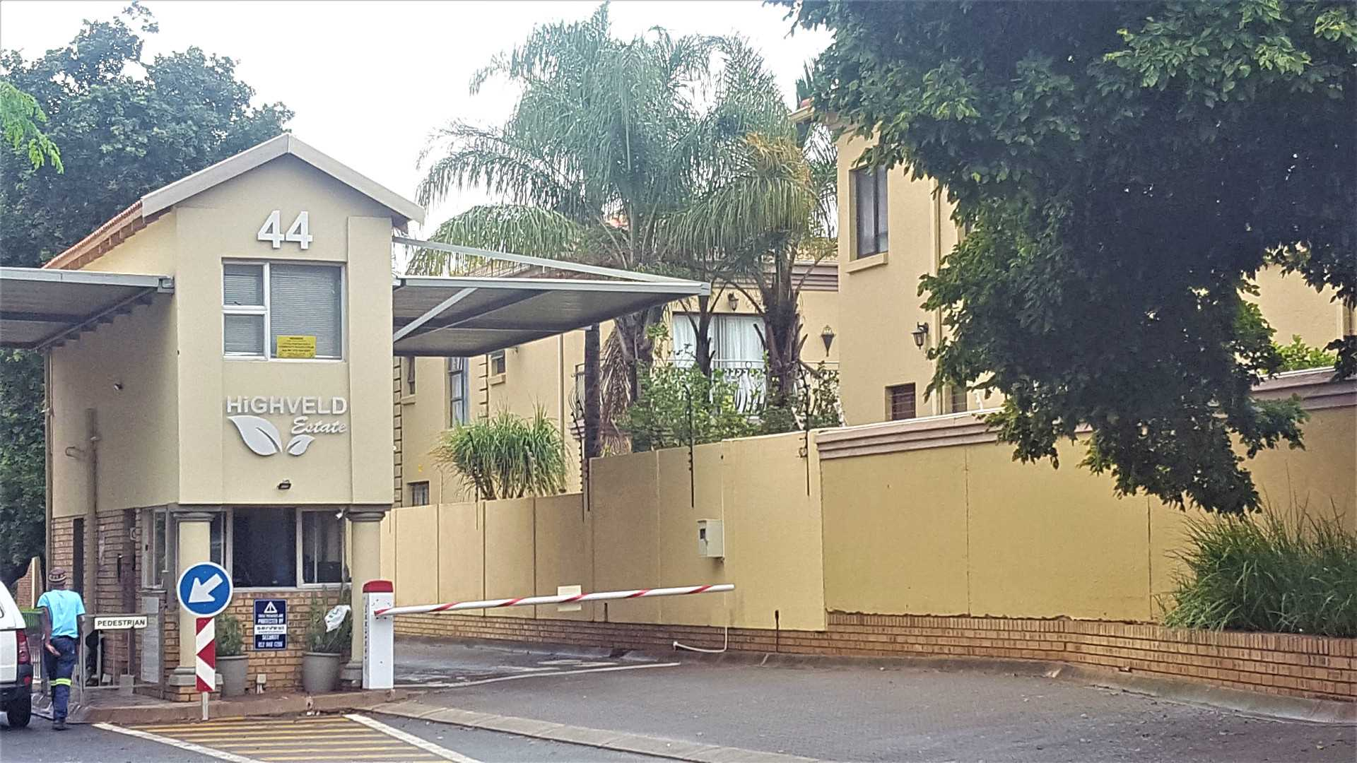 Priced to Go- Townhouse in Highveld Estates