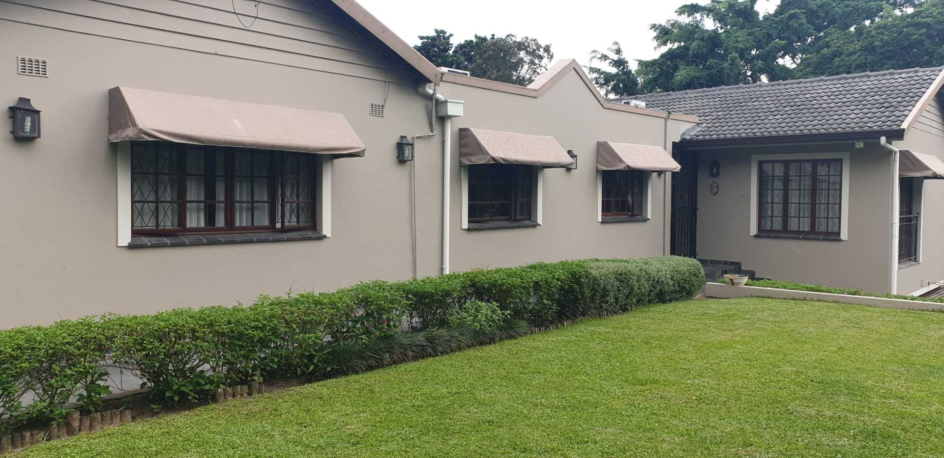 Immaculate house in sort after Padfield Park.