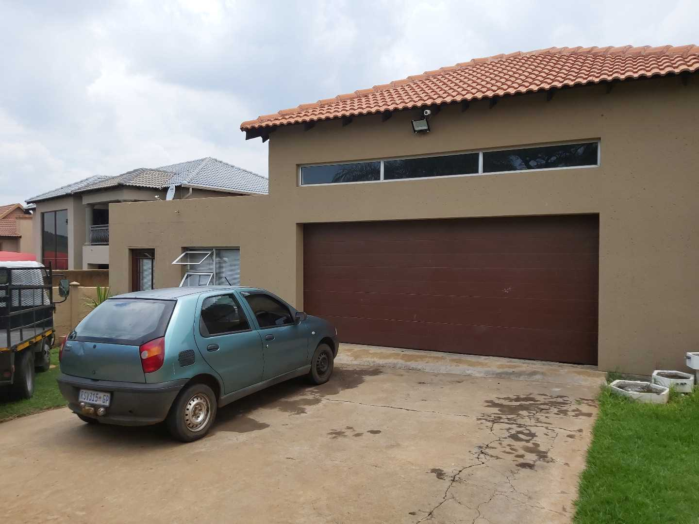 Perfect for a big family. Situated in Cashan