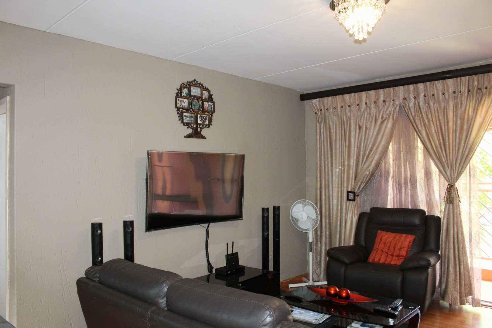 Modern Lifestyle unit for sale