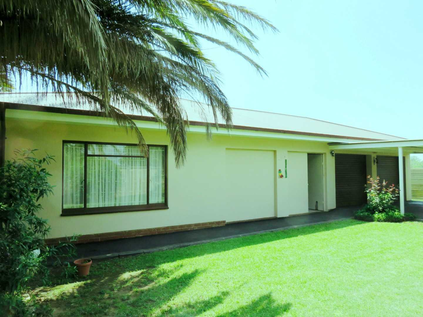 In a family-friendly community at the Vaal Dam - Deneysville