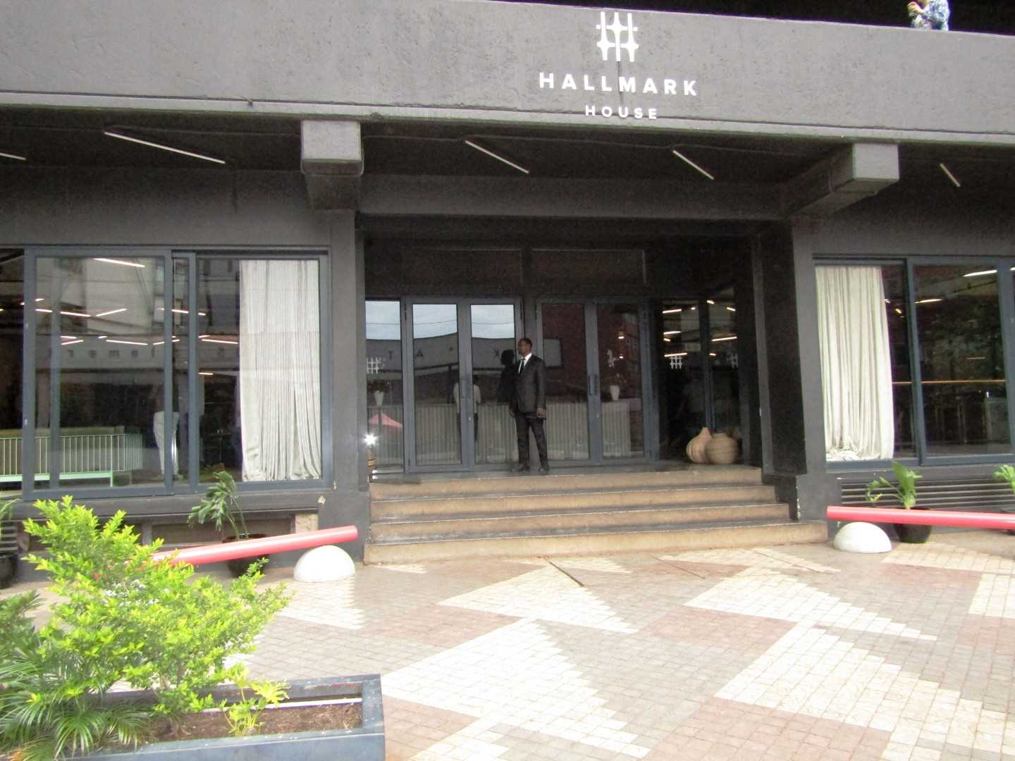 Studio Apartment in Hallmark Hotel - Maboneng