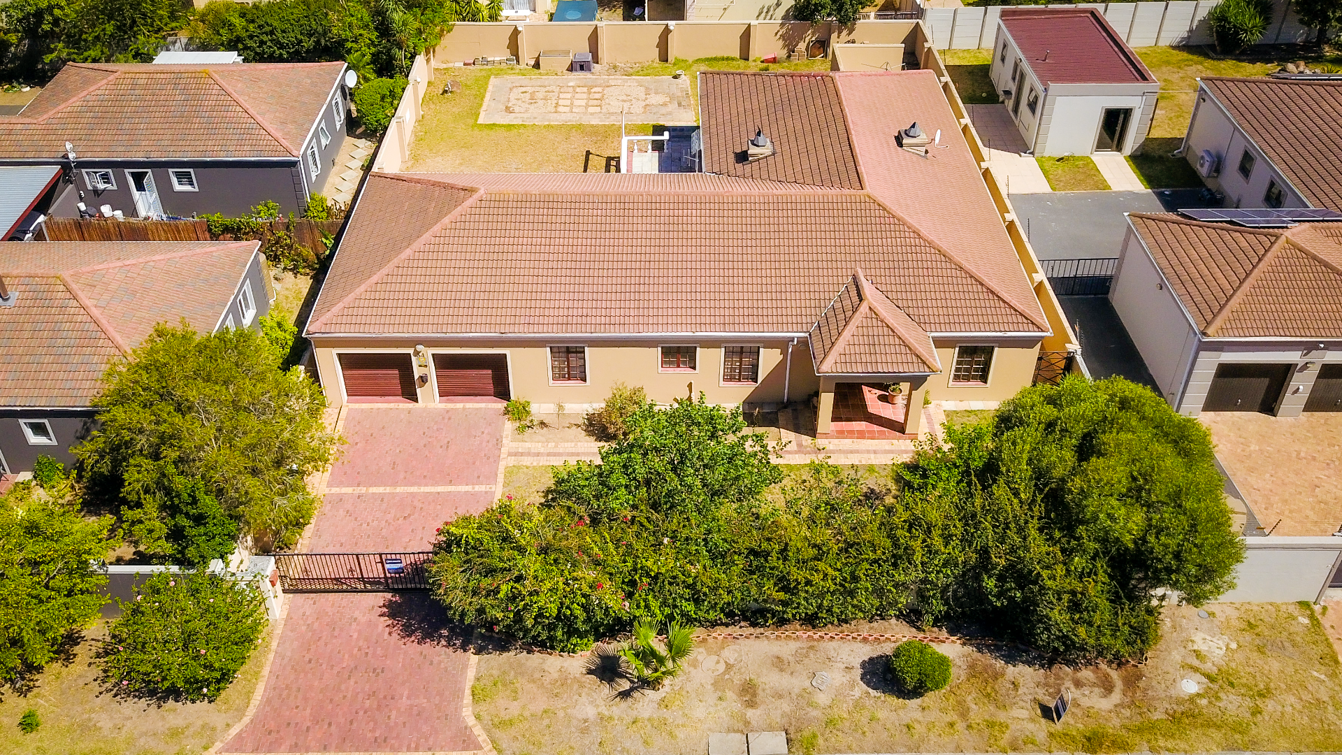 Auction - Large Family Home  in Popular Area